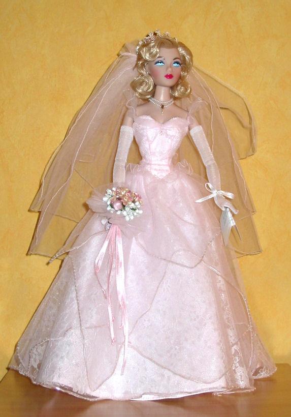 Les poupées mariées Wed-big